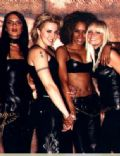 Spice Girls: Holler