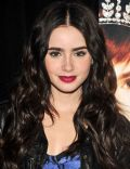 Lily Collins - Add Photo Set