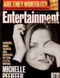 Michelle Pfeiffer on the cover of Entertainment Weekly (United States) - January 1993