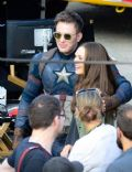 Elizabeth Olsen and Chris Evans
