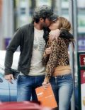 Holly Valance and Alex O'loughlin
