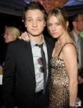 Jeremy Renner and Jes Macallan