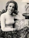 Lucia Santa Cruz