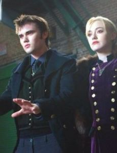 Dakota Fanning and Cameron Bright