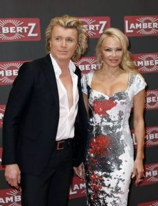 Pamela Anderson and Hans Klok