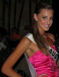 Laura Dundovic