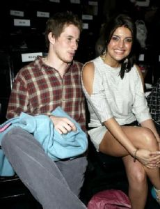 Jennifer Gimenez and Brendan Fehr