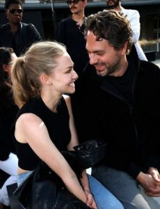 Amanda Seyfried Dating...