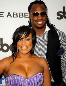 Niecy Nash and Vernon Davis