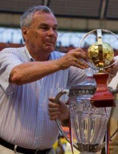 Valentin Ivanov (footballer born 1934)