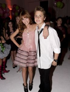 Bella Thorne and Garrett Backstrom