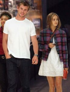Isabel Lucas and Chris Hemsworth