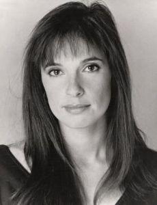 Amanda Noar
