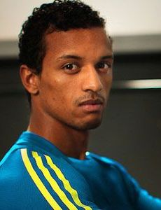 Who is luis nani dating