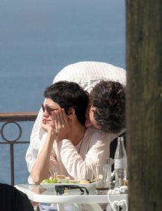 is audrey tautou in a relationship