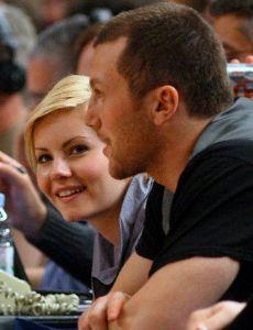 elisha cuthbert and sean avery relationship