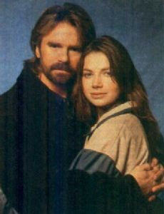 Richard Dean Anderson and Justine Bateman