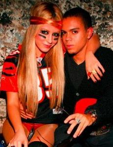 Aubrey o'day dating