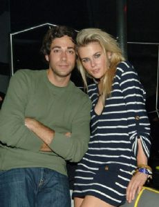 Zachary Levi and Rachael Taylor