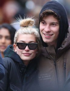 Hailey Baldwin and Shawn Mendes