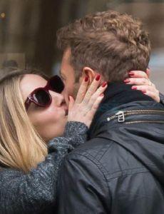 Annabelle Wallis and Chris Martin