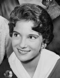 Lynda Lee Mead