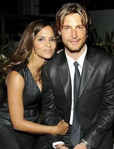 Halle Berry - Halle Berry Who Is She Dating Now