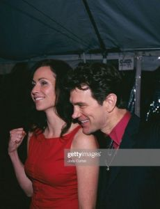 Minnie Driver and Chris Isaak
