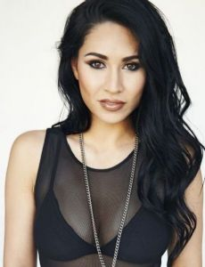 cassie steele and mike lobel relationship quiz