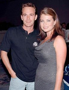 Luke Perry and Yasmine Bleeth