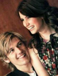 Emma Roberts and Alex Pettyfer