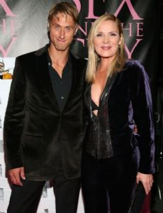 Who is Kim Cattrall dating? Kim Cattrall boyfriend, husband Kim Cattrall Boyfriend