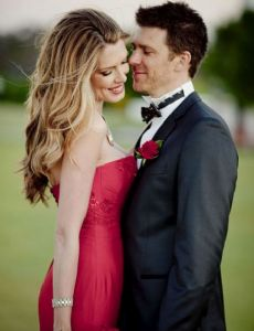 Tara voss wedding