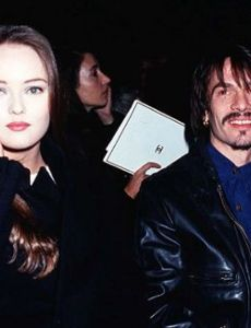 vanessa paradis dating history Vanessa paradis (1998–2012) christopher iii (born 2002) by his former partner, french singer vanessa paradis he began a relationship with amber heard in 2012.