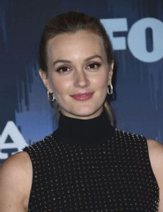 """leighton meester dating garrett hedlund Leighton meester is an actress and singer known for hot and sexy celebrity images leighton meester and a duet with garrett hedlund titled """"give in to."""