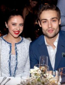 Douglas Booth Dating History - FamousFix