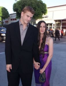 Alanis Morissette and Dash Mihok