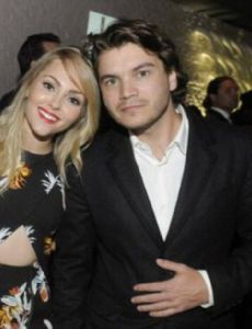 who is annasophia robb dating now