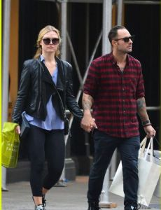 Julia Stiles und Preston J. Cook