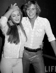 Christopher Atkins and Diane Lane