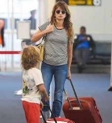 Penelope Cruz: airport look
