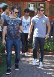 The Jonas Brothers Grab Lunch In Los Feliz
