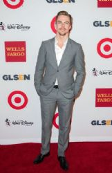 Derek Hough arrives at the 10th Annual GLSEN Respect Awards