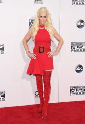 Jenny McCarthy: 2015 American Music Awards - Red Carpet