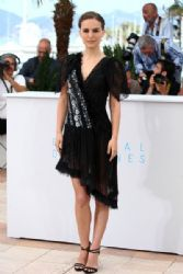 Natalie Portman: attends a photocall for