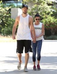 Lea Michele: go for a hike at TreePeople park in Beverly Hills