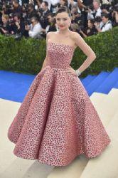 Miranda Kerr  in Oscar de la Renta Dress :  2017 Met Gala