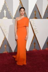 Olivia Munn in a Stella McCartney : 88th Annual Academy Awards