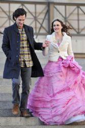 Penn Badgley and Leighton Meester on set of Gossip Girl