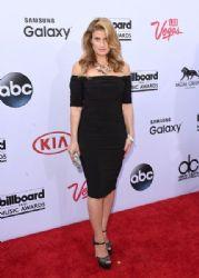 Idina Menzel: 2015 Billboard Music Awards